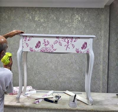 limpiar_el_mueble_una_vez_empapelado