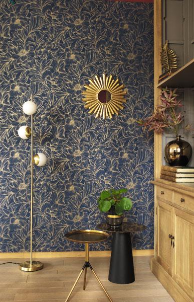 Papel de parede floral escuro com dourado